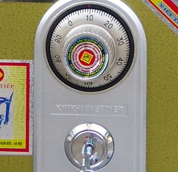 Cách 1 - Cách mở khóa két sắt 1 số