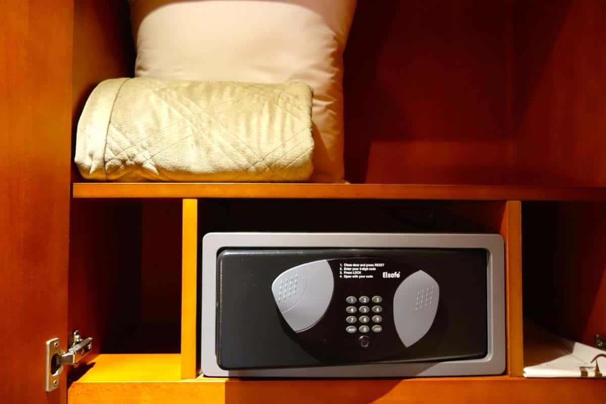Vị trí đặt két sắt trong phòng ngủ