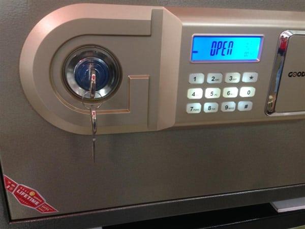 Chìa khóa phụ két sắt điện tử