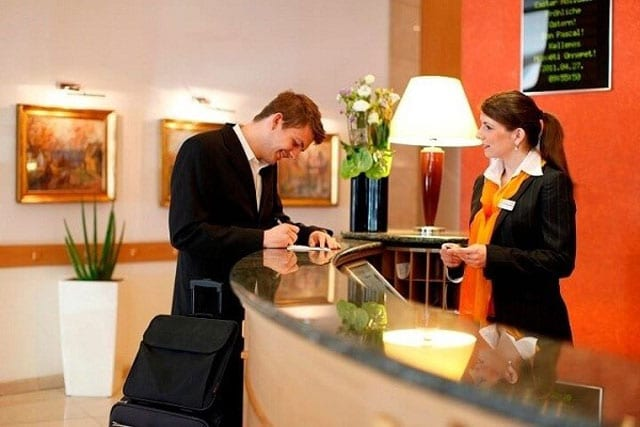 Những tình huống khó xử trong khách sạn