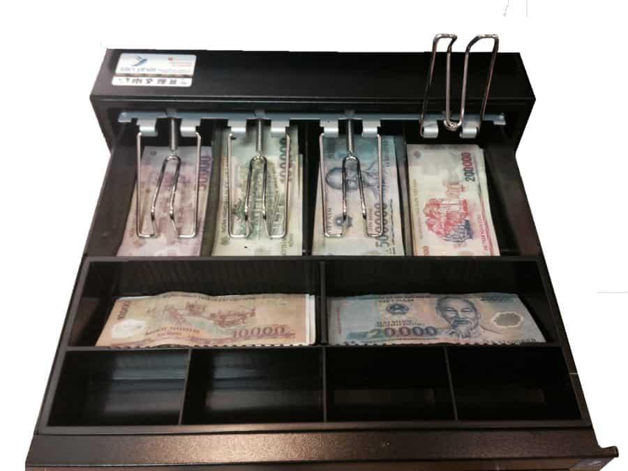 Cân nhắc số tiền bạn có thể chi trả cho một chiếc két thu ngân