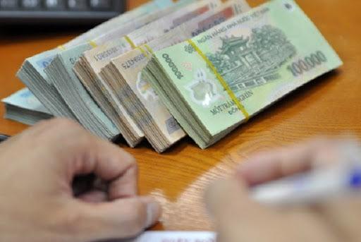 Nữ kế toán 'biến thủ' 776 triệu đồng của học sinh nghèo. Thầy hiệu trưởng tìm tận nhà van xin trả lại 3